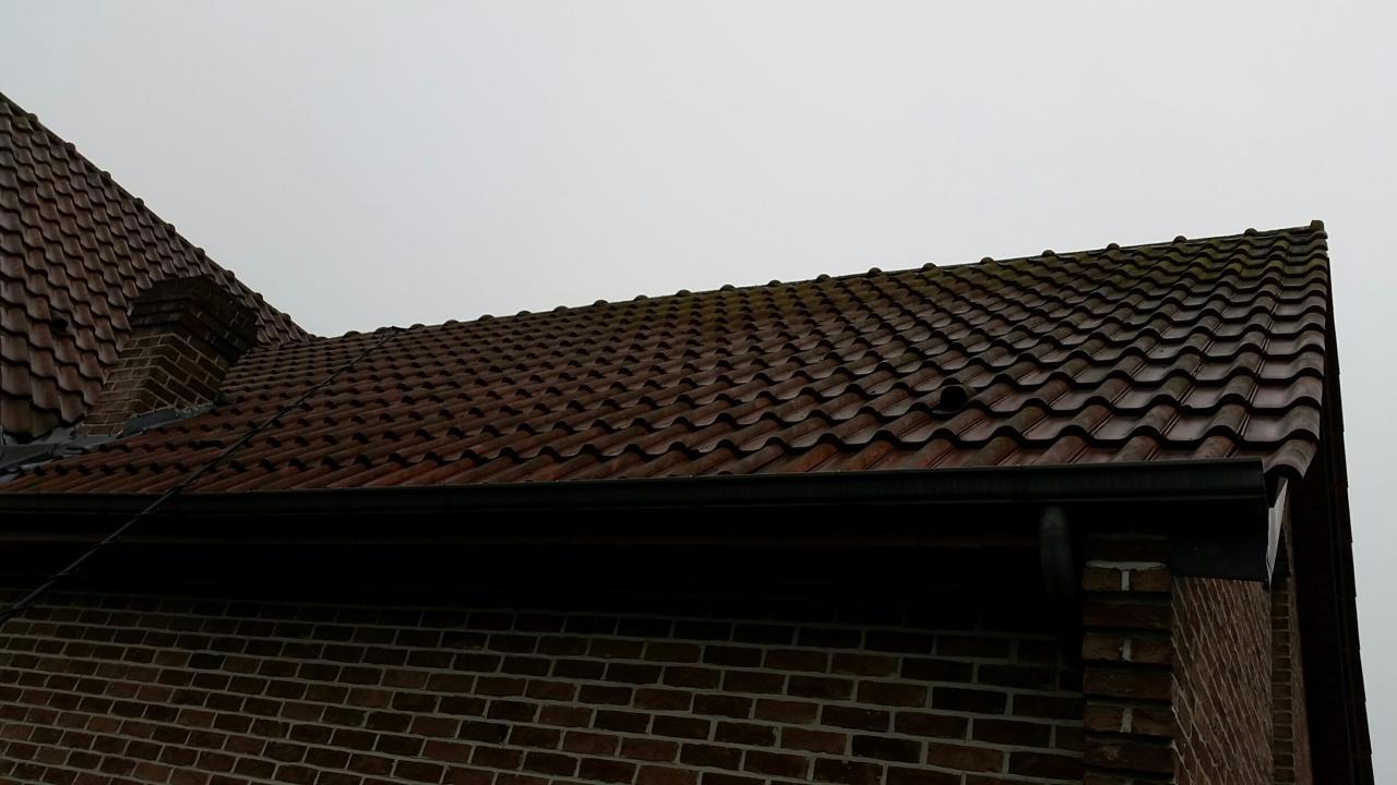 produit demoussage toiture le nettoyage de toiture au karcher with produit demoussage toiture. Black Bedroom Furniture Sets. Home Design Ideas