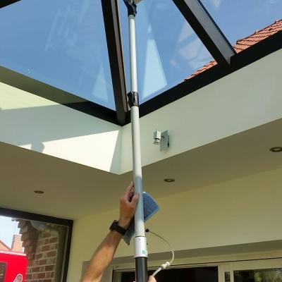 Nettoyage intérieur des vitres de toiture