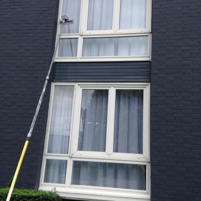 Nettoyage de vitres à l'eau pure osmose